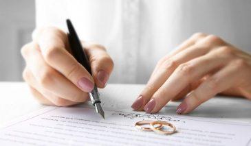 """Kiện đòi tài sản với """"hợp đồng hôn nhân"""" – Thực hiện được không?"""