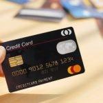 """Xử lý thế nào khi thẻ tín dụng """"gây"""" thiệt hại cho chủ tài khoản?"""